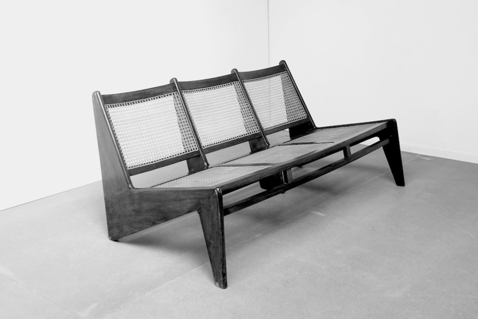pierre jeanneret lecorbusier chandigarh la galerie jousse intramuros. Black Bedroom Furniture Sets. Home Design Ideas