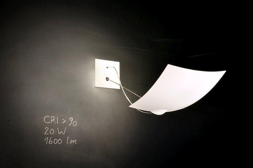 le luminaire 18x18 d 39 ingo maurer intramuros. Black Bedroom Furniture Sets. Home Design Ideas