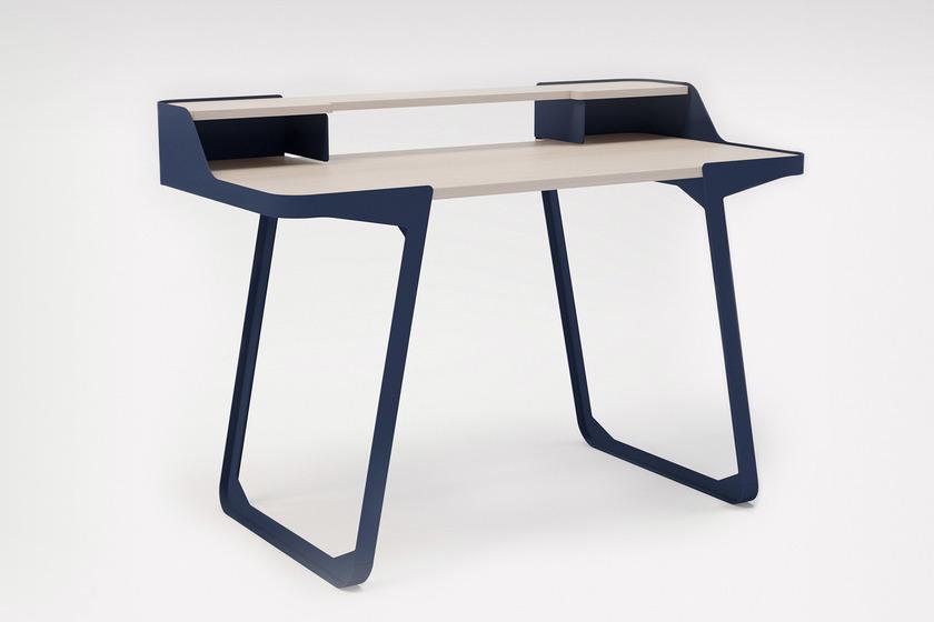 design addicts au via intramuros. Black Bedroom Furniture Sets. Home Design Ideas