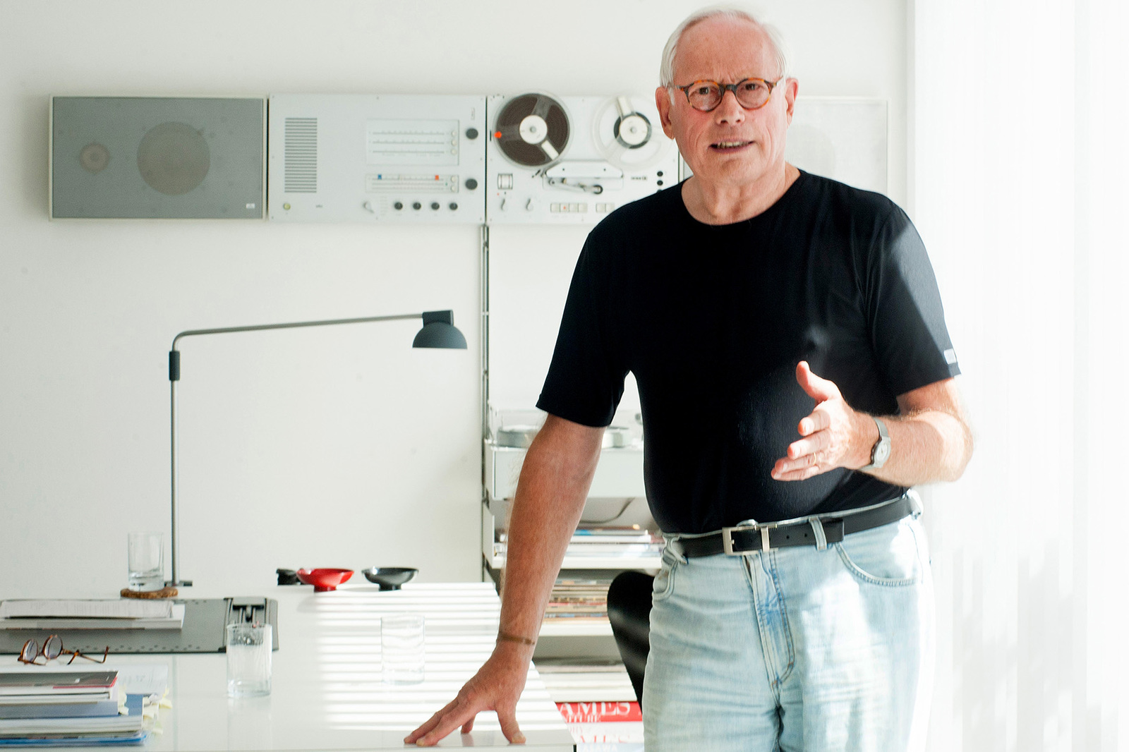 le schaudepot expose le designer allemand dieter rams intramuros. Black Bedroom Furniture Sets. Home Design Ideas