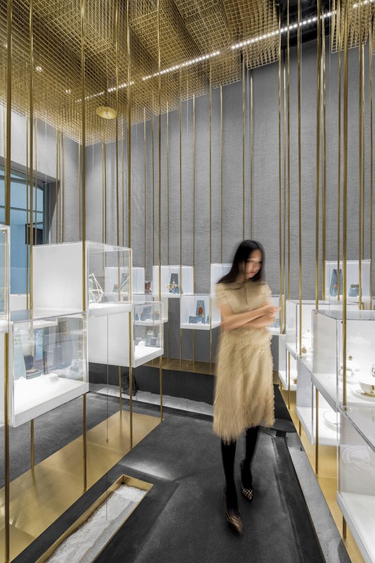 atelier-tree-under-the-golden-cloud-the-designers-brands-collection-store-architonic-poppee-interior-design-ateliertree-2-05