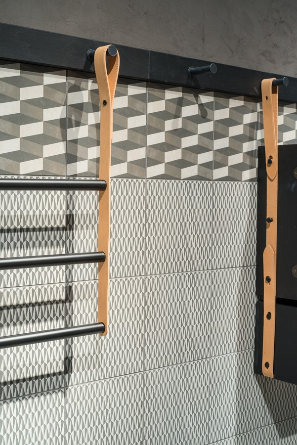 Mutina_accents_collaboration_with_studio_oeo_salone_del_mobile_stand_photo_by_federico_torra