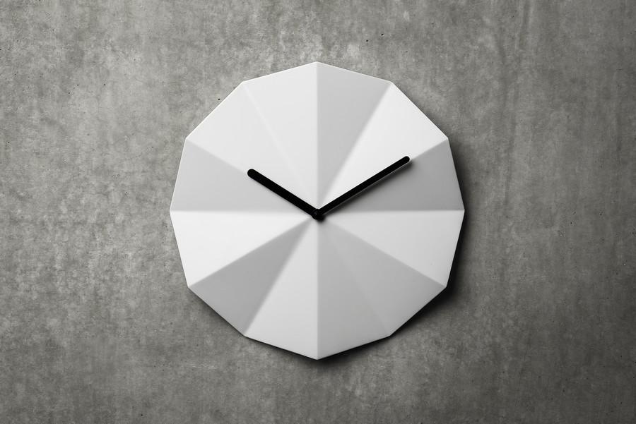 Delta_clock_white_blanche_horloge_murale_lawa_design