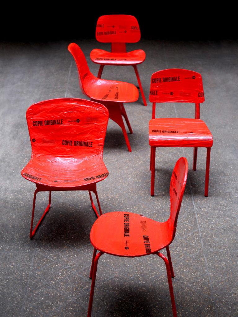 copies_originales_5-5_design_chaise_exposition_motifs_all_over_via