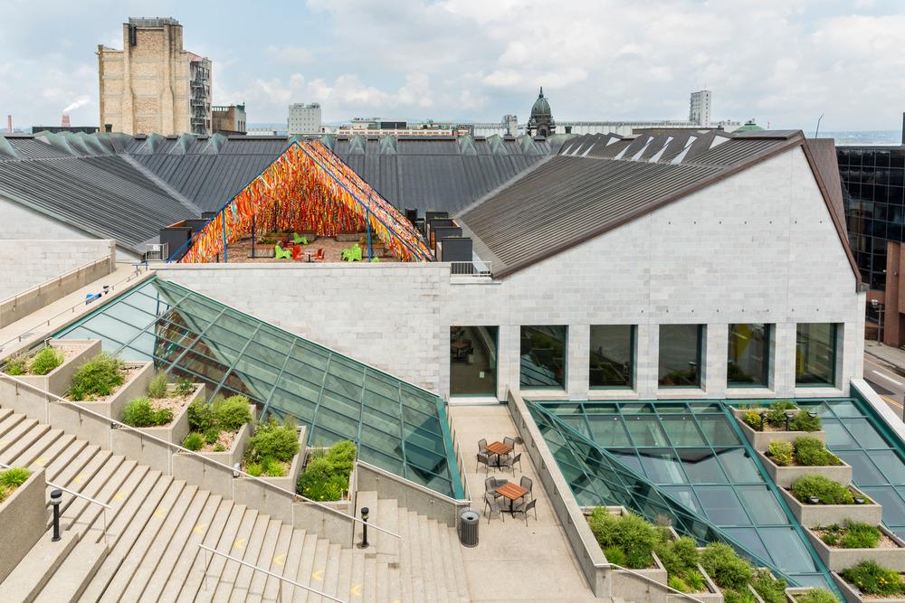 « Roof Line Garden » de Julia Jamrozik et Coryn Kempster, artistes et designers canadiens basés à Buffalo, dans l'État de New York