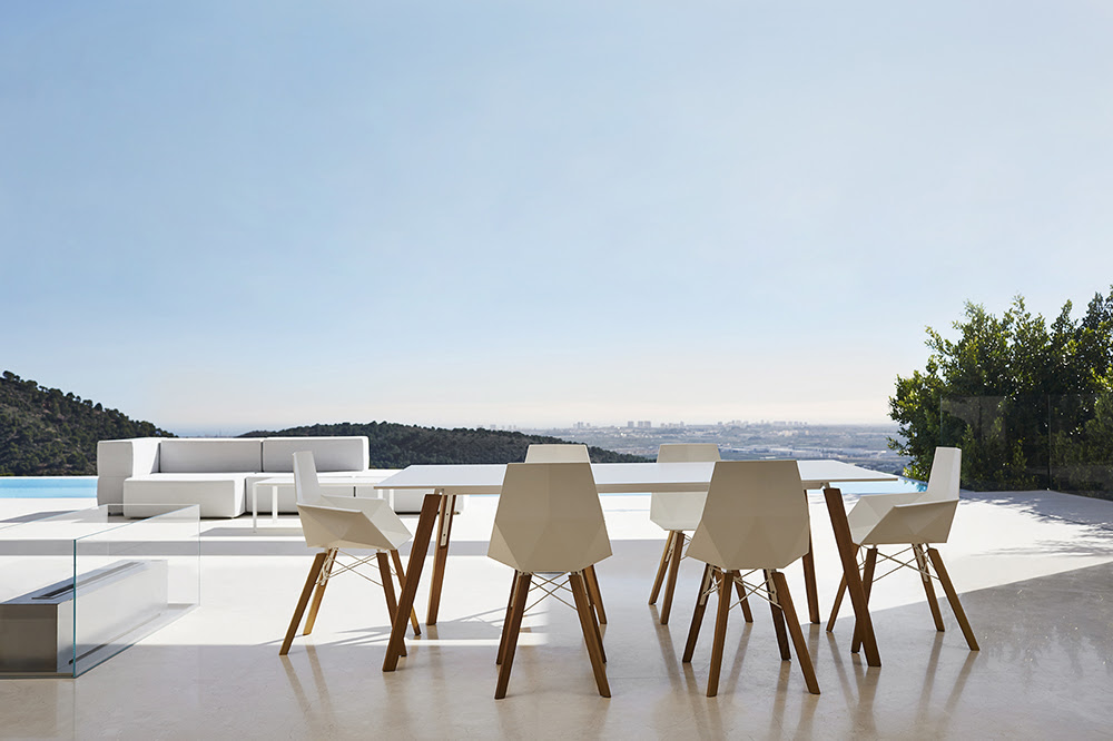 Vondom, collection Faz, design Ramon Esteve